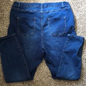 Euc 20w just fab jeans.  Only worn a few times.
